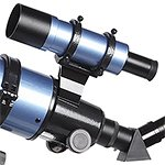Telescopio refractor B&Crown 102-600, detalle del buscador